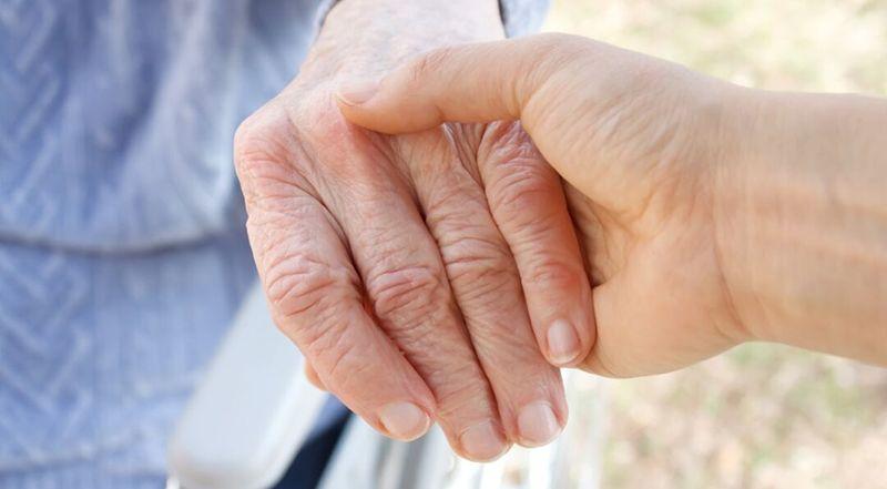 Tuổi tác là nguyên nhân chủ yếu gây ga thoái hóa khớp