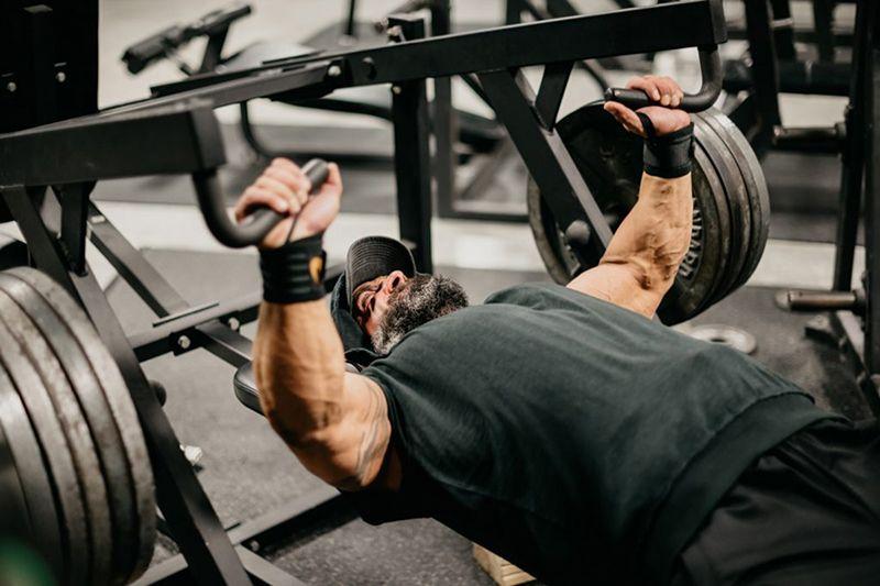 Tập luyện quá sức có nguy cơ cao bị viêm khớp sụn sườn