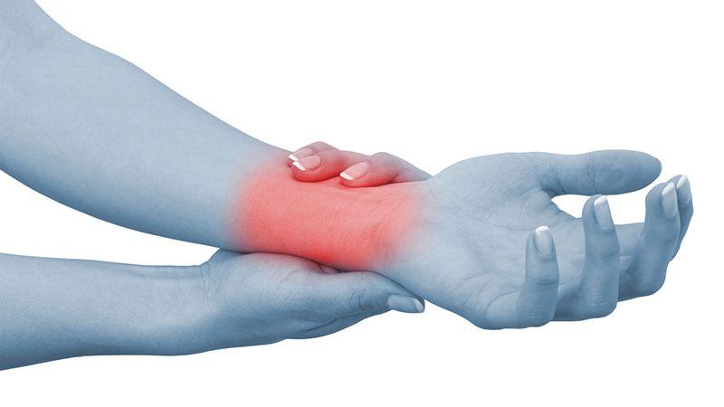 Các khớp trên cơ thể có thể sưng, nóng, đỏ, đau khi bị viêm