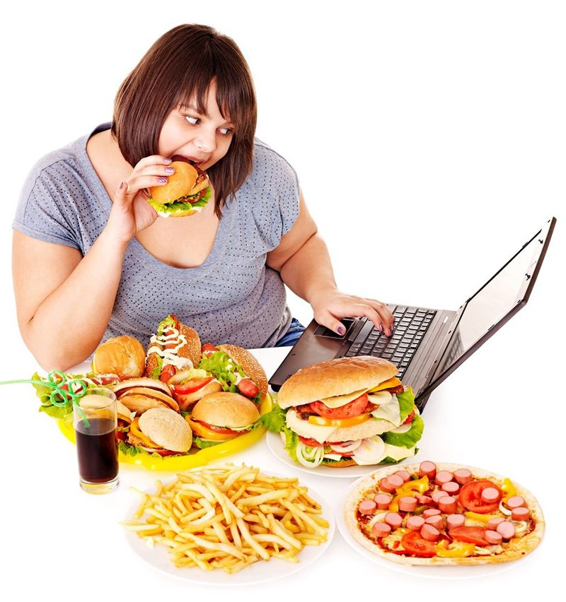 Thực phẩm chứa nhiều dầu mỡ, thức ăn nhanh