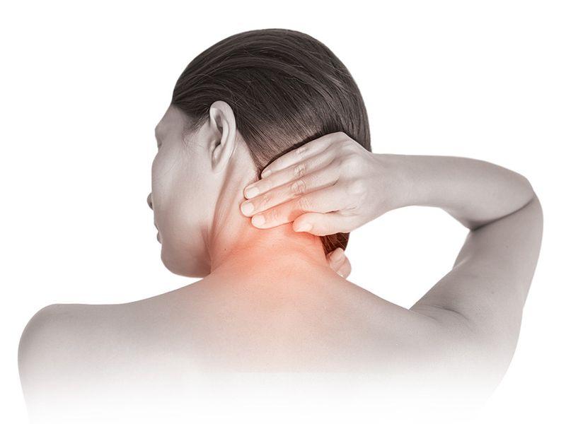 Gai cột sống thoát vị đĩa đệm gây đau đớn dữ dội tại vùng cổ