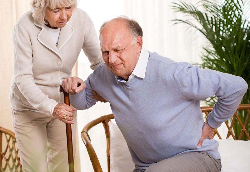 Tuổi càng cao khiến nguy cơ mắc các bệnh xương khớp càng cao