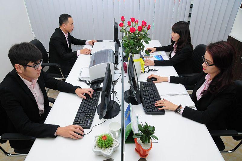 Nhân viên văn phòng có tính chất công việc ngồi nhiều, ít vận động, có khả năng mắc bệnh cao