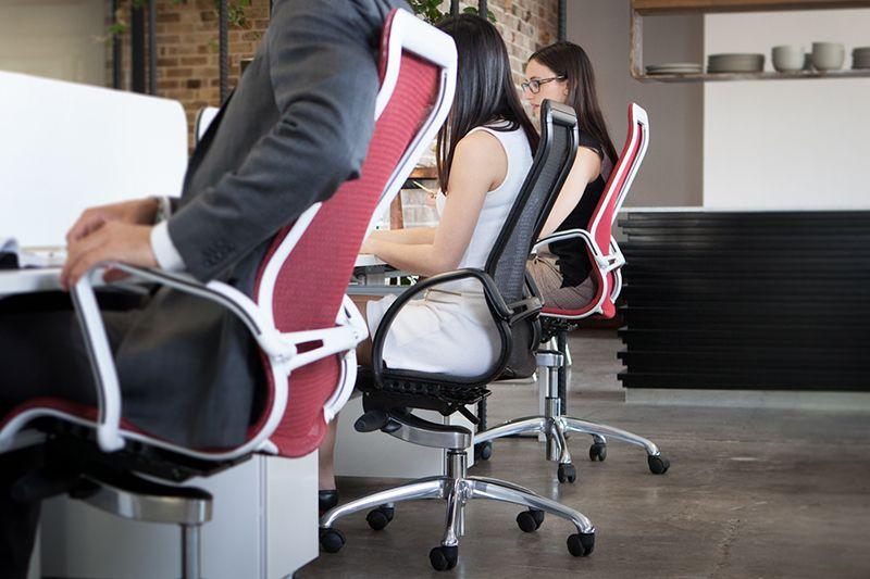Nhân viên văn phòng thường dễ mắc bệnh thoát vị đĩa đệm