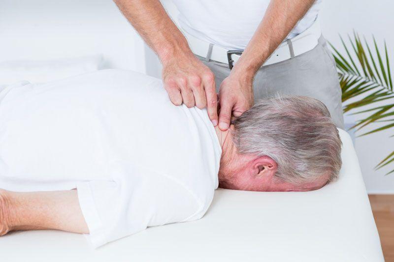 Phương pháp điều trị cho người bị thoái hóa đốt sống cổ