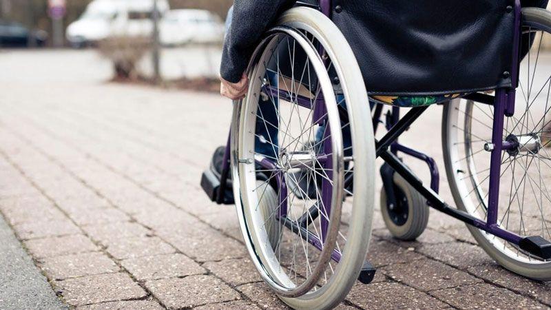 Tê liệt tay chân - tàn phế do bệnh thoát vị đĩa đệm