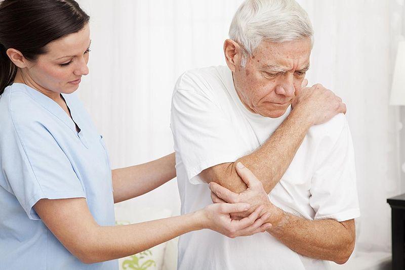 Thoái hóa cột sống thường xuất hiện ở những người cao tuổi