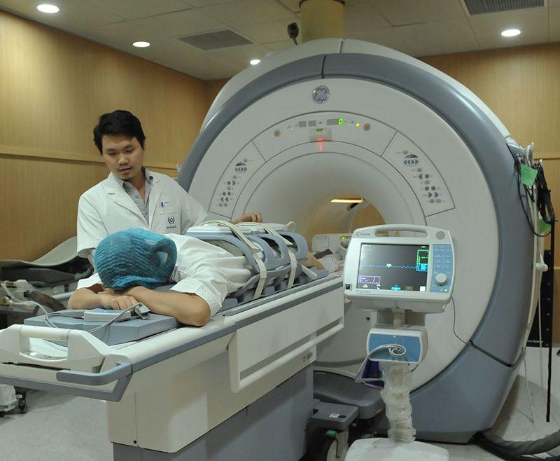 Sử dụng phương pháp chụp cộng hưởng từ MRI để chẩn đoán bệnh