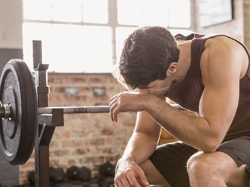 Luyện tập thể thao quá mức sẽ gây ảnh hưởng nghiêm trọng đến hệ xương khớp