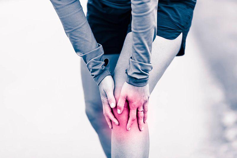 Thoái hóa khớp gối gây ra những cơn đau đớn khó chịu