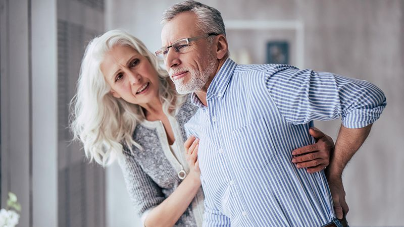 Thoát vị đĩa đệm là căn bệnh khó tránh ở người già