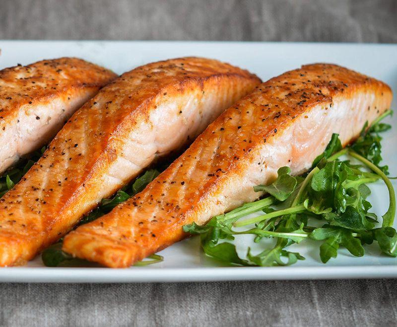 Bổ sung cá hồi giúp cải thiện tình trạng bệnh nhanh chóng