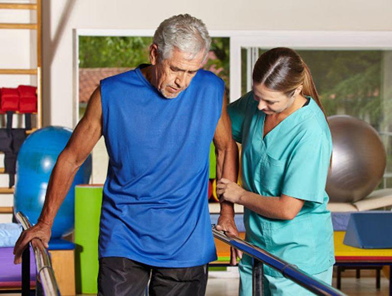 Bệnh nhân có thể gặp nhiều di chứng, gây khó khăn trong vận động