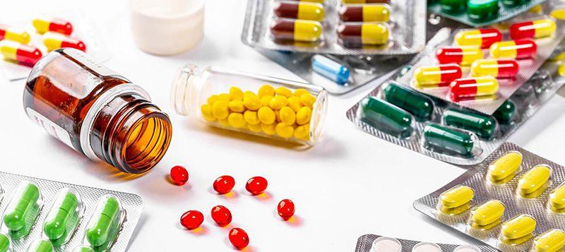Thuốc kháng sinh có tác dụng điều trị giảm viêm, tuy nhiên để lại nhiều tác dụng phụ