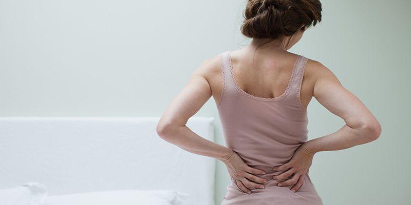 Các cơn đau lưng do thoái hóa thường dai dẳng và có xu hướng lan sang các vùng lân cận