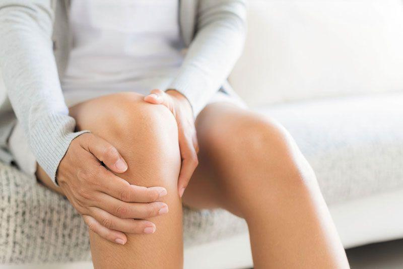Thoái hóa đầu gối thường gặp ở nữ giới và tỷ lệ mắc bệnh tăng dần theo độ tuổi