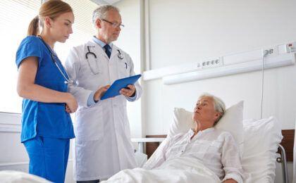 Tư vấn về bệnh thoái hóa khớp háng và cách điều trị