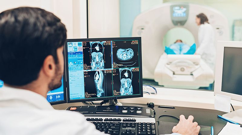 Chẩn đoán thoát vị đĩa đệm L4/5 bằng phương pháp chụp MRI