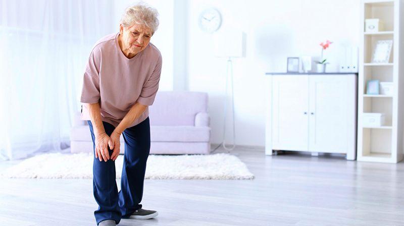 Tuổi già làm tăng nguy cơ gây bệnh thoái hóa khớp