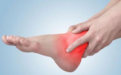 Viêm khớp cổ chân: Nguyên nhân, triệu chứng và cách điều trị