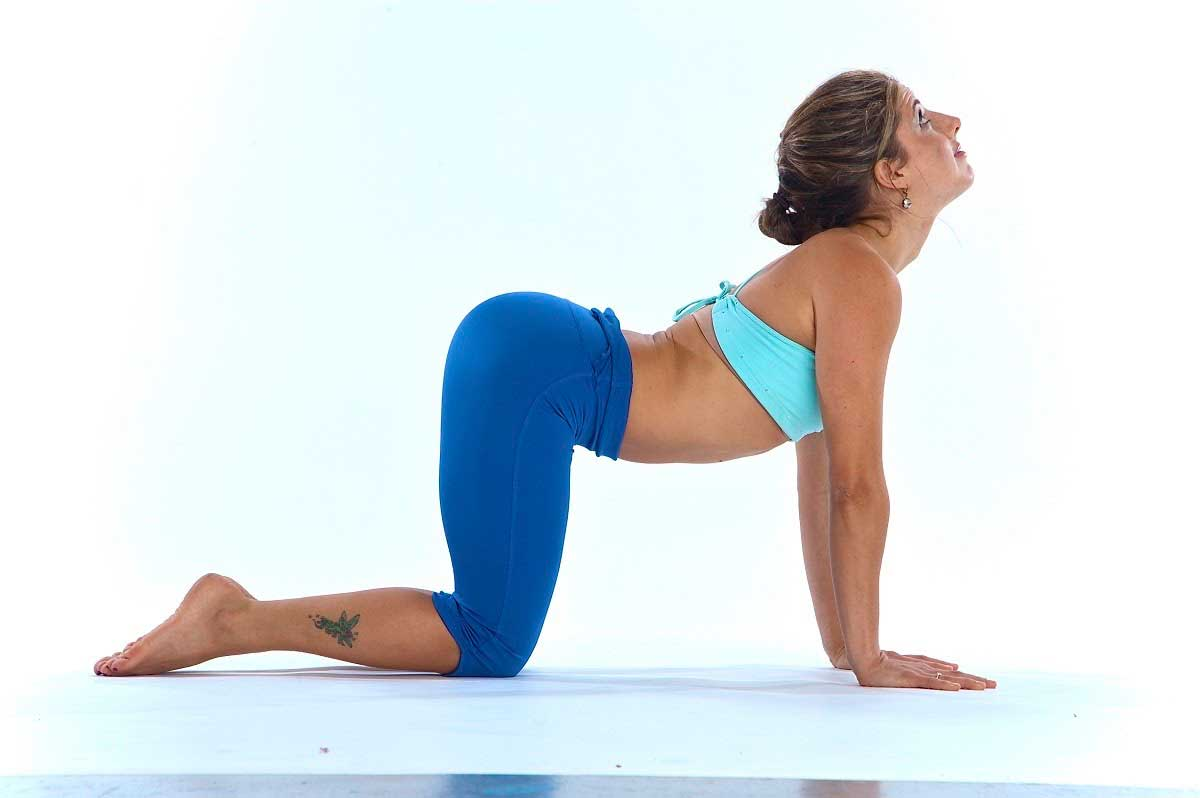 thoat-vi-dia-dem-co-tap-yoga-duoc-khong1