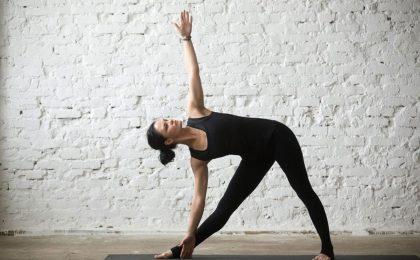 Bài tập yoga chữa thoái hoá đốt sống cổ ở người trẻ