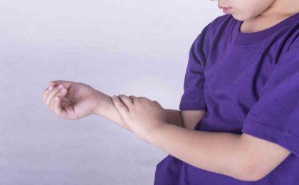 Bệnh viêm khớp cấp ở trẻ em nguy hiểm như thế nào?